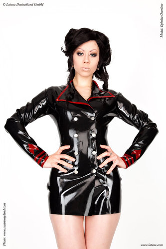 Latex Uniformjacke mit Kontrastfarbe