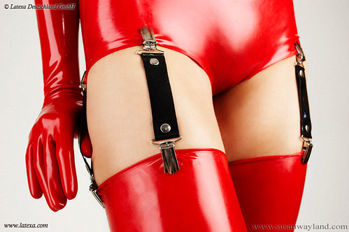 Latex Strapse in drei Längen Latexa
